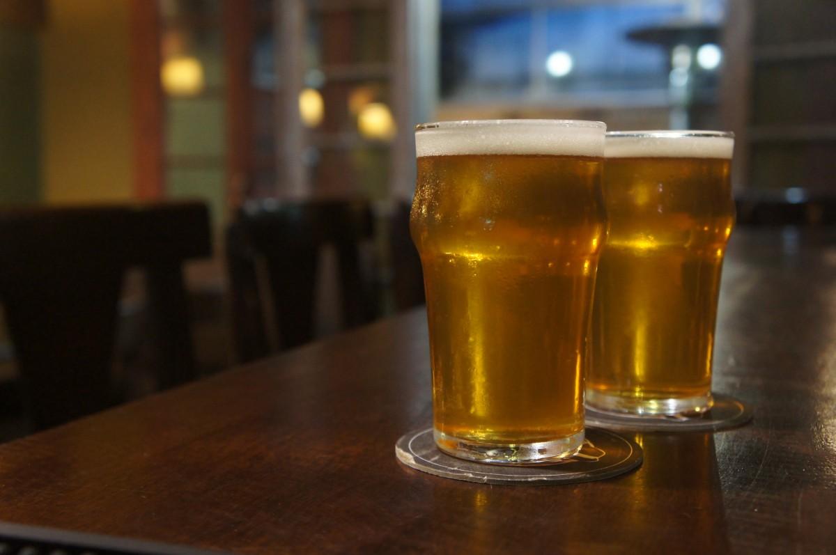 foto chope cerveja malvadeza pub