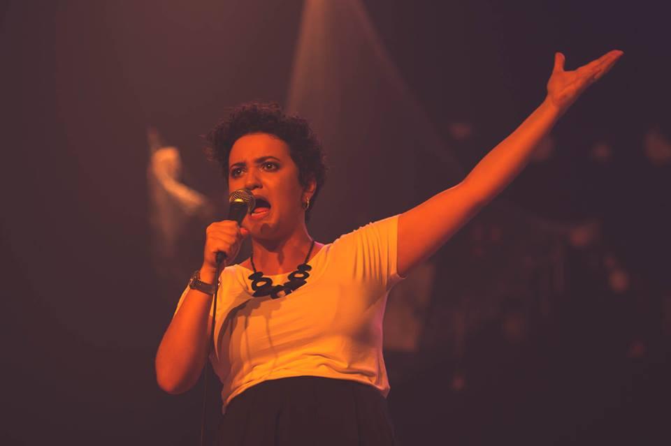 Camila Lopes canta Elis Regina